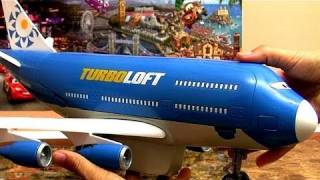 getlinkyoutube.com-Cars 2 Turbo Loft Plane Everett Jumbo Jet Airplane Transporter Disney Aviões Review by Blucollection