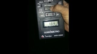 getlinkyoutube.com-Como Fazer o teste do Aterramento do Bitbox (Terrômetro Minipa 1520-D)