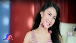 getlinkyoutube.com-Gue Mah Gitu Orangnya - iMeyMey (Official Music Video)