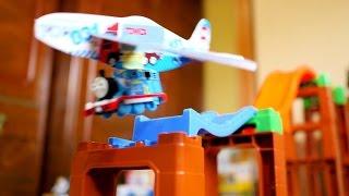 トミカは飛べるの?コメントにお答えしてきかんしゃトーマス トミカとトミカふんわりグライダーでチャレンジしてみました