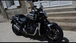 2015 Yamaha VMAX Carbon Edition : Essai AutoMoto