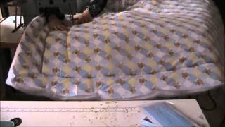 getlinkyoutube.com-طريقة خياطة غطاء سرير اطفال المرحلة الثانية