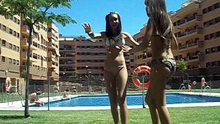 getlinkyoutube.com-Penosas en la piscina 3