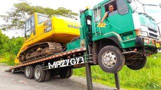 getlinkyoutube.com-Telolet Fuso Self Loader Truck Hauling Excavator Komatsu PC200-8