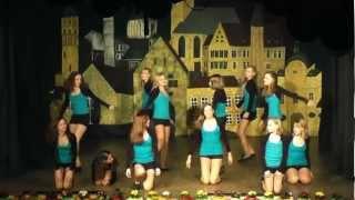 getlinkyoutube.com-Tanzauftritt der Glamour-Girls bei der OHK Parade 2012