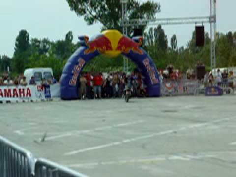 Jorian Ponomareff Franch guy warm up Stunt Ride 2009 Romania part 4