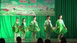 getlinkyoutube.com-Múa H Mông chính gốc cực hay - Phần thi của trường THCS Phiêng Cằm - Mai Sơn, Sơn La