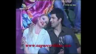 ENGIN AKYUREK  Romantica singing