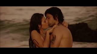 Jacqueline Fernandez hottest kissing scenes