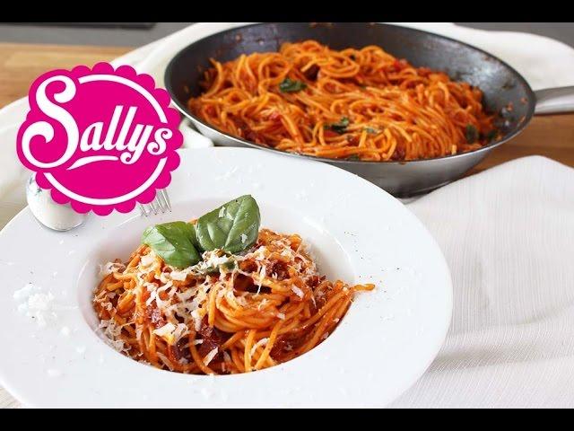 Spaghetti mit Tomatensoße / Pasta-Gericht in 15 Min.
