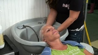 getlinkyoutube.com-How to Wash Damaged Hair : Hair Care & Styling