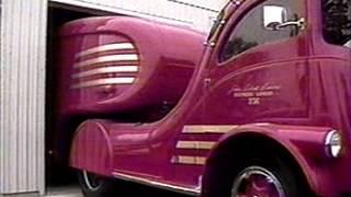 getlinkyoutube.com-Classic Labatt Streamliner Truck Restoration