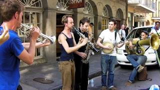 getlinkyoutube.com-New Orleans Dixieland on Street