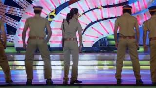 Priyanka Chopra Dance at Zee Cine Awards 2011