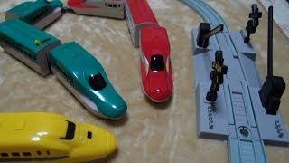 getlinkyoutube.com-ダイソープチ電車シリーズのE6系スーパーこまちとE5系はやぶさの連結を紹介します。プラレールじゃないよ!