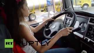 getlinkyoutube.com-طفلة عمرها 12 عاما تبرع في قيادة الشاحنات