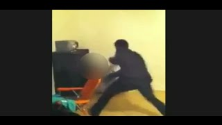getlinkyoutube.com-Father Beats Daughter's for Posting Twerking @hodgetwins