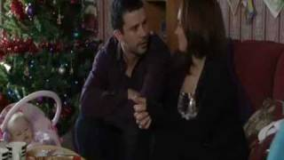 getlinkyoutube.com-Eastenders - stacey and ryan pretend to be a couple for social services - December 2010