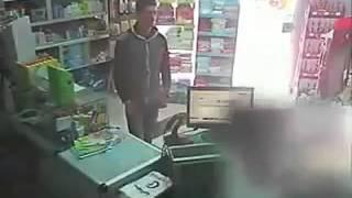 getlinkyoutube.com-سرقة صيدلية في سوق الجمعة  طرابلس بالصوت والصورة