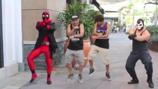 getlinkyoutube.com-Deadpool vs Gangnam Style -جنانجم ستايل الامريكيه