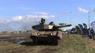 getlinkyoutube.com-Olifant Mk 2 main battle tank South Africa African Army SAF AAD 2010 Defendse Exhibition.wmv