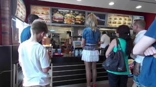 getlinkyoutube.com-Im kurzen Minirock als Crossdresser im BurgerKing