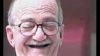 getlinkyoutube.com-Vinheta do velho rindo