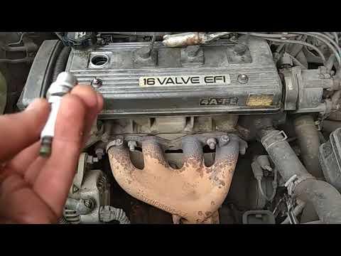 Замена свечей (Toyota Karbna E)