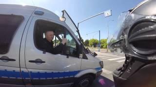 """getlinkyoutube.com-Wyluzowani policjanci - Gsxr 1000 vs Police """" Ścigamy się?"""" :) Czytaj opis!. Koniecznie!"""
