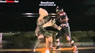getlinkyoutube.com-仮面ライダー555 がヤクザのように敵をタコ殴り