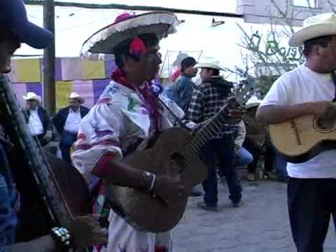 músicos huicholes*El Corrido de los Pérez
