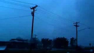 getlinkyoutube.com-Oklahoma City Tornado - Very Intense 5-24-2011