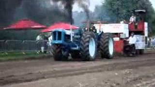 getlinkyoutube.com-Tractorpulling Fordson Triple Doe Super Major