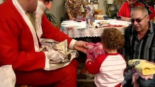 getlinkyoutube.com-Стефания Иванова посреща дядо Коледа