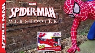 getlinkyoutube.com-Mega Blaster Web Shooter Toy by The Amazing Spiderman, Spiderman vs Fly Funny Unboxing and Review