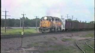 getlinkyoutube.com-Union Pacific SD40-2 Blows Dynamic Brake Fan
