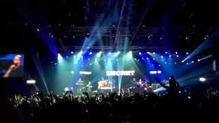 getlinkyoutube.com-Pitbull Feat. Ne-Yo || Give me everything || LIVE Pitbull concert