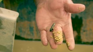 getlinkyoutube.com-Look at That Chunky Gold In Parker's Sluicebox!   Gold Rush