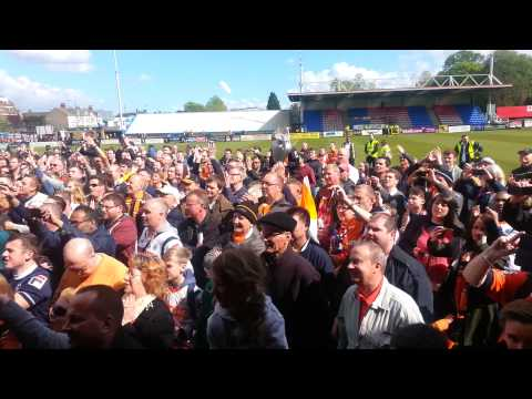 Luton fans celebrate at Welling(1)