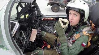 getlinkyoutube.com-Polish Female Mig-29 Fighter Pilot (ppor. Urszula Brzezińska Kobietą Myśliwca Pilotka)
