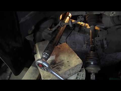 Замена тяги рулевой рейки на РЕНО Кенго с помощью самодельного специнструмента