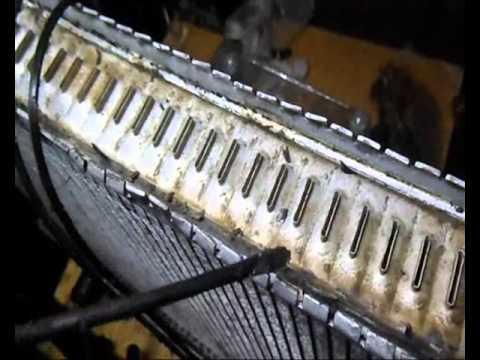 Ремонт радиатора Volvo с под уплотнителя бачка ремонт бачка