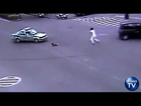 Chinese Father Leaps Out Moving car to Save Child