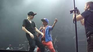 getlinkyoutube.com-Justin Bieber and Jaden Smith Dancing