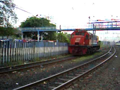 Old : Gumarang Train Depart Jatinegara
