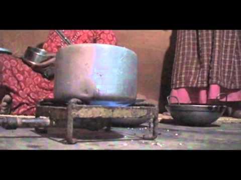 蓋沼氣池是一種簡單的技術,協助尼泊爾婦女改善生活