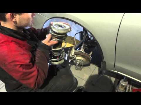 Перепаковка стойки амортизатора за 9 минут Toyota Matrix