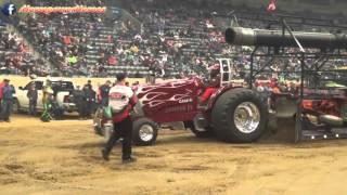 getlinkyoutube.com-2016 KY Invitational Truck & Tractor Pulls FarmTractor Finals
