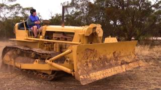 getlinkyoutube.com-Caterpillar D6 Bulldozer Fence Clearing