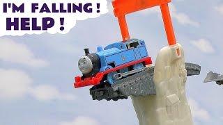 getlinkyoutube.com-Thomas And Friends Brave Thomas Play Doh Dinosaur Footprints Trackmaster Toy Train Set Plus Trains